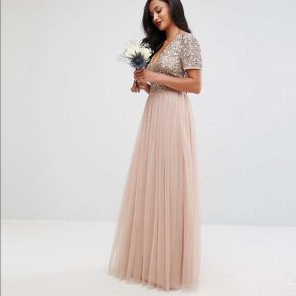 ee769081c7f Maya Petite v neck maxi tulle dress w sequins. M 5bb7f9f8194dad696ea1ba32